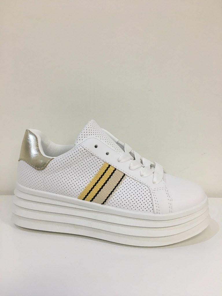 Wit/gele sneaker streepjes