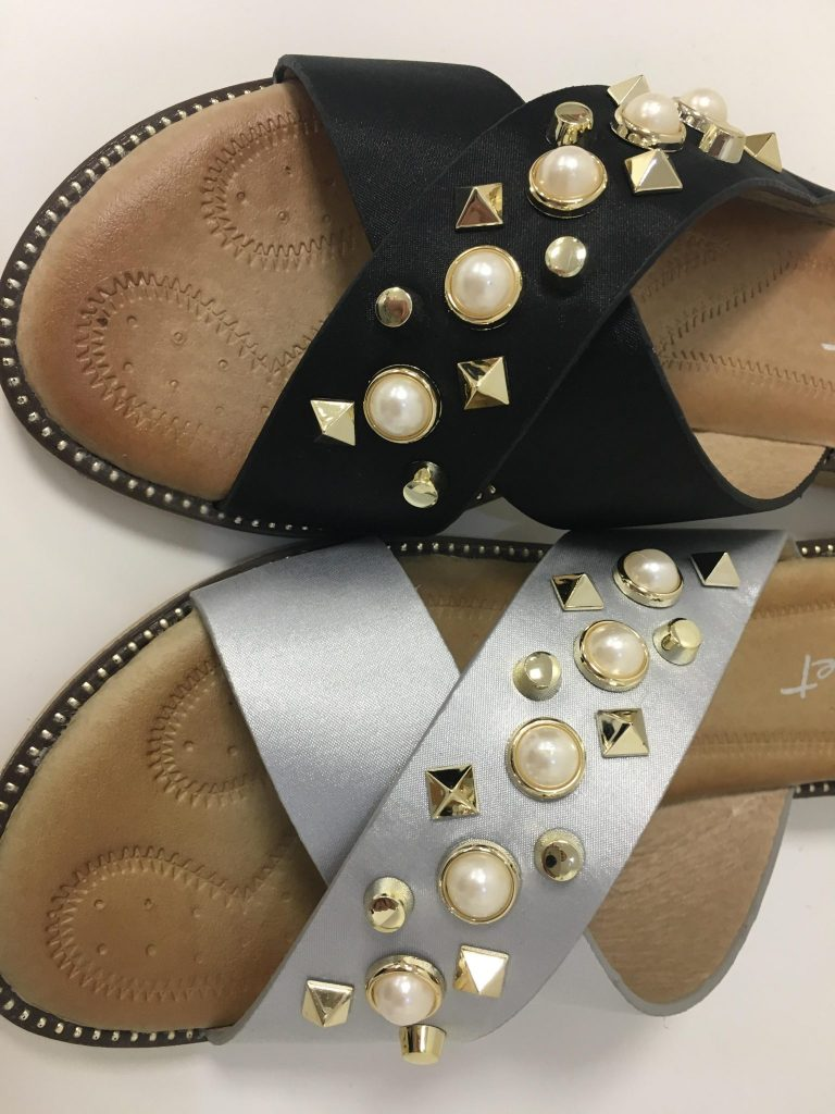 Slippers studs
