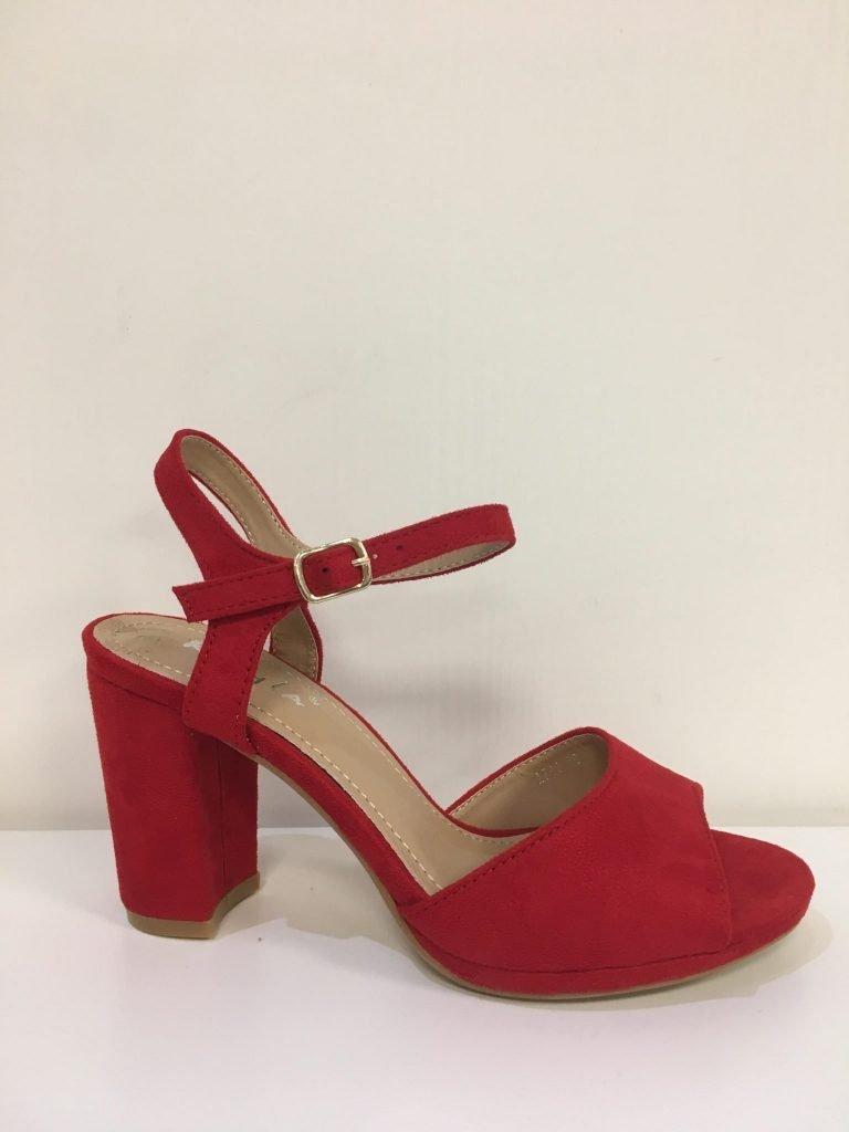 Open rode schoen