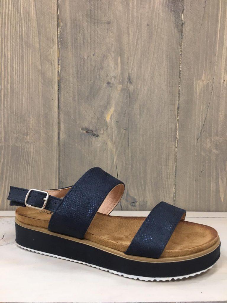 Blauw sandaaltje 2 bandjes