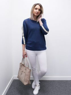 Blauw bloesje met wit/gouden streep